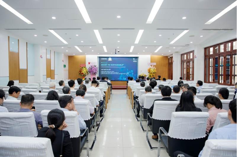 UEH ra mắt Viện Công nghệ tài chính, Viện Đô thị thông minh và quản lý, Viện Nghiên cứu chính sách nông nghiệp và sức khỏe